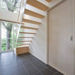 解放感のあるスケルトン階段