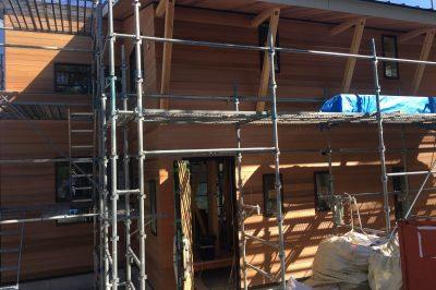 翠松園新築分譲の木貼りあれこれ